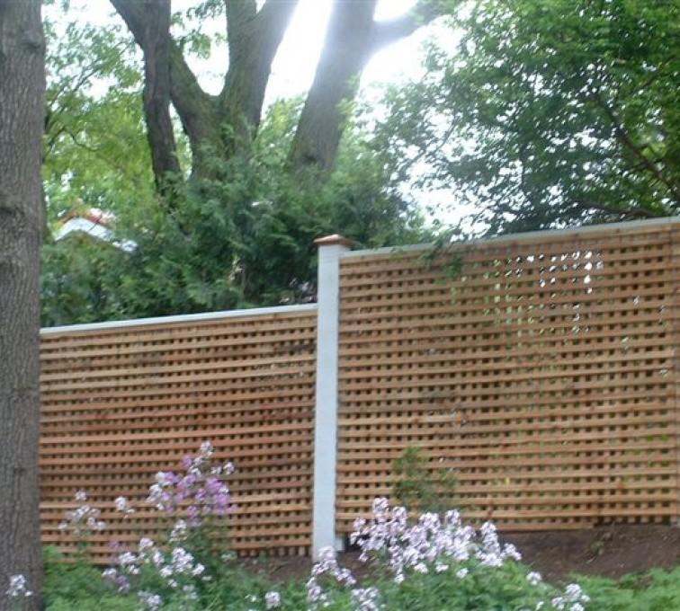 AFC Grand Island - Wood Fencing, 1027 Lattice fence