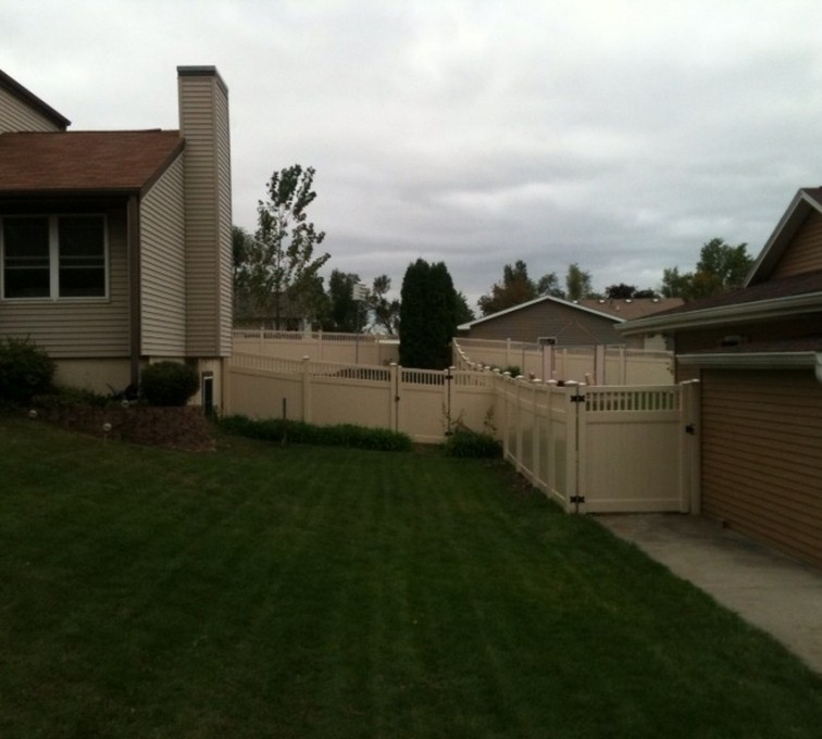 AFC Grand Island - Vinyl Fencing, 6' Tan Solid PVC with Accent - AFC - IA