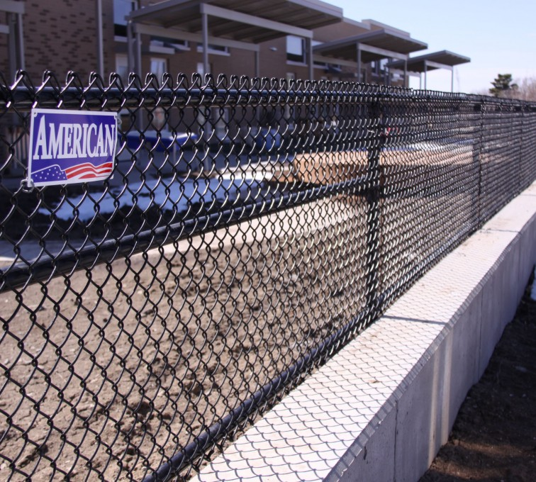 AFC Grand Island - Chain Link Fencing, Black Vinyl Chain Link 4' Tall
