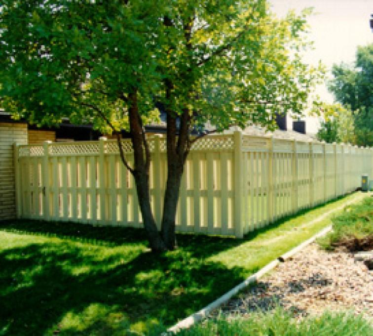 AFC Grand Island - Vinyl Fencing, Board-on-board tan with lattice (800)