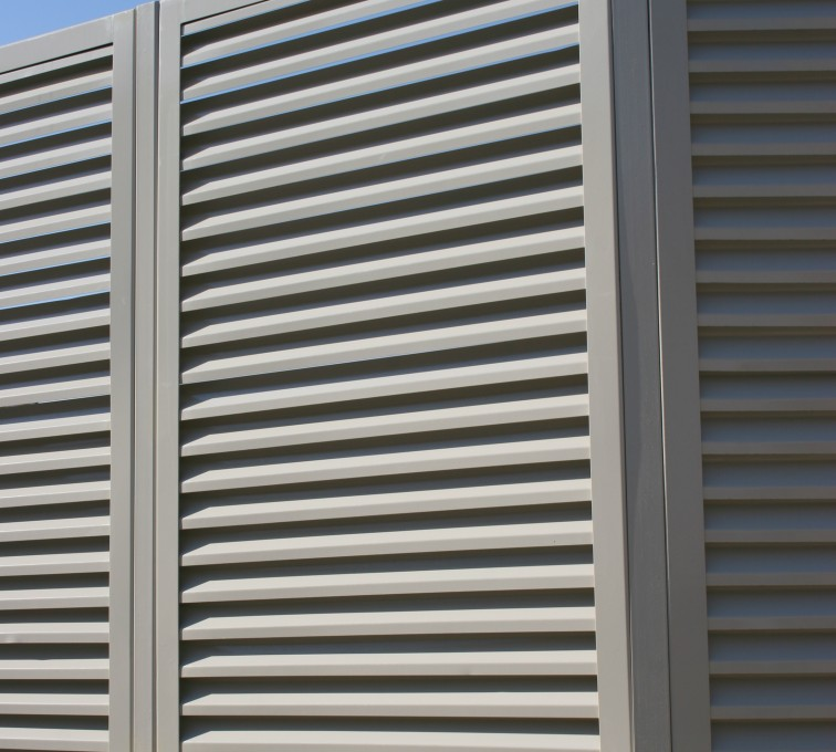 AFC Grand Island - Louvered Fence Systems Fencing, Louvered Fence Panel Angled Post Connection
