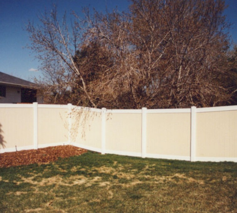 AFC Grand Island - Vinyl Fencing, Privacy Tan and White (616)