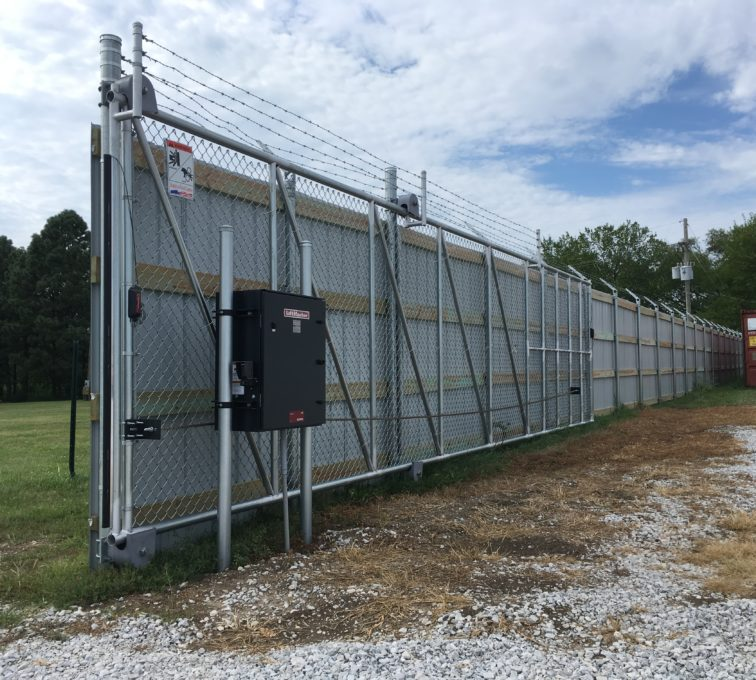 Automated Solid Metal Gate Access Control System Operator